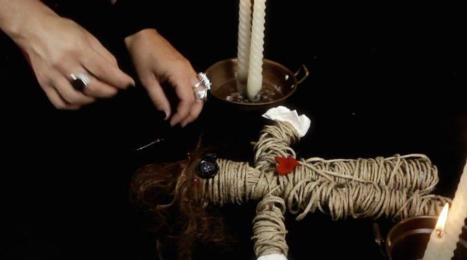 любовн приворот на восковую куклу вуду